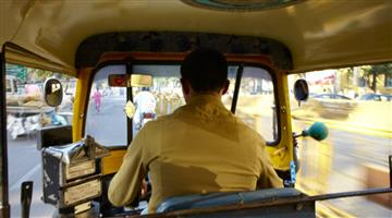 Khabar Odisha:Driver-in-the-daytime-a-robber-during-night-Mancheswar-police-arrests-an-auto-driver-in-Bhubaneswar