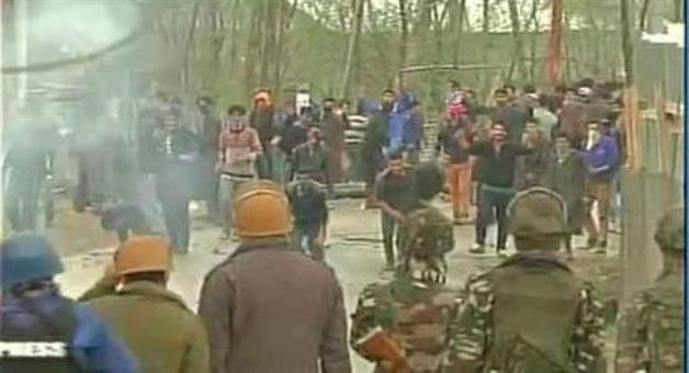 Khabar Odisha:Kashmir-Budgam-Encounter-Between-Security-Forces-And-Militants-One-Civilian-Dead