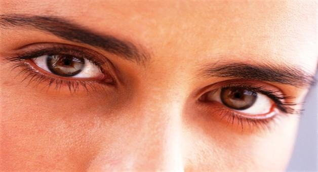 Khabar Odisha:these-easy-remedies-will-destress-your-tired-eyes