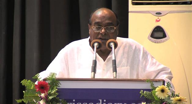 Khabar Odisha:Damodar-Rout-said-many-defaulters-of-farm-loans-spending-on-drinking-alcohol-or-towards-wedding-in-the-family