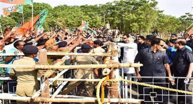 Khabar Odisha:Modi-with-the-audience