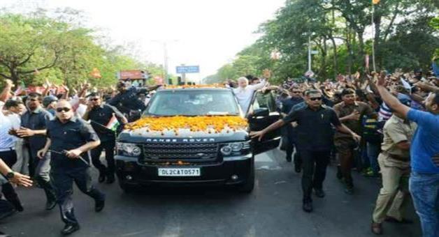 Khabar Odisha:Modis-Road-show
