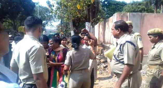 Khabar Odisha:Two-sisters-attempt-to-suicide
