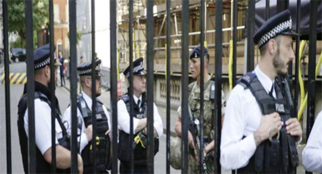 Khabar Odisha:Manchester-city-bombing-suspects-brother-father-arrested-in-libya
