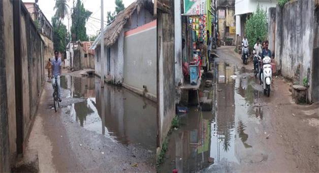 Khabar Odisha:artificial-flood-at-Kazi-BazarCuttack