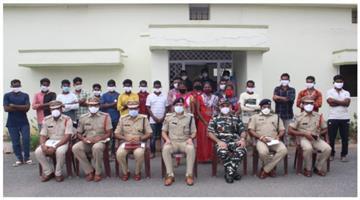 Khabar Odisha:14-Naxals-surrender-in-fear-of-corona-infection-in-Maoist-camp
