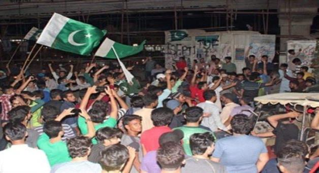 Khabar Odisha:Twelve-injured-during-Pakistan-victory-in-Karachi