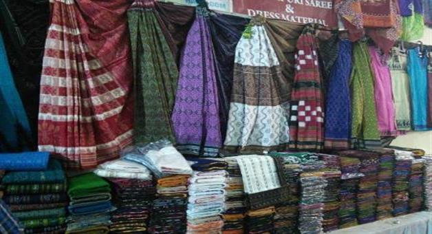 Khabar Odisha:village-become-a-sambalpuri-saree-market