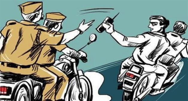 Khabar Odisha:Thief-Run-In-Bike-And-Face-Accident