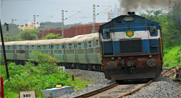 Khabar Odisha:16-Train-Cancel-for-Titli-Effect