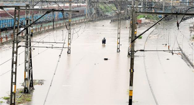 Khabar Odisha:flood-bill-of-approx-rs-150-crore-for-indian-railways-in-7-days-says-railway-ministry-report