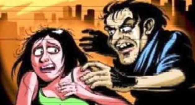 Khabar Odisha:Hotel-security-head-held-fog-molesting