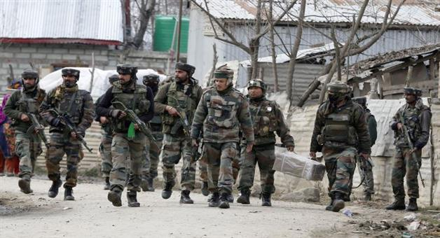 Khabar Odisha:atmosphere-changes-in-kashmir-valley-local-kashmiris-now-come-in-support-of-security-forces-