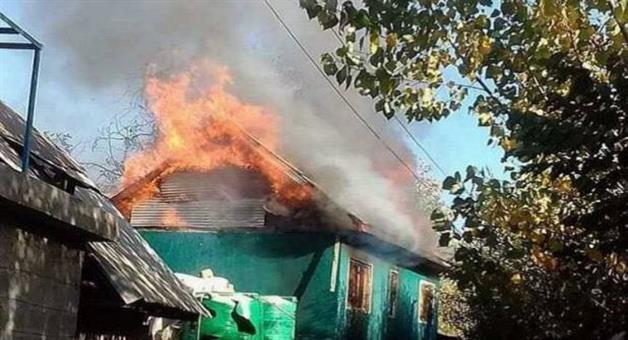 Khabar Odisha:jammu-kashmir-mob-on-the-instigation-of-terrorists-attacked-the-house-of-ex-sarpanch