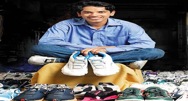 Khabar Odisha:success-story-of-sandeep-gajakas-engineer-student-the-shoe-laundry