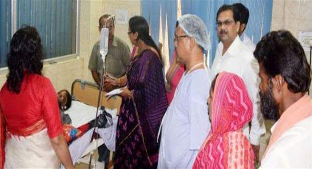 Khabar Odisha:Berhampur--Acid-survivers-eye-infection