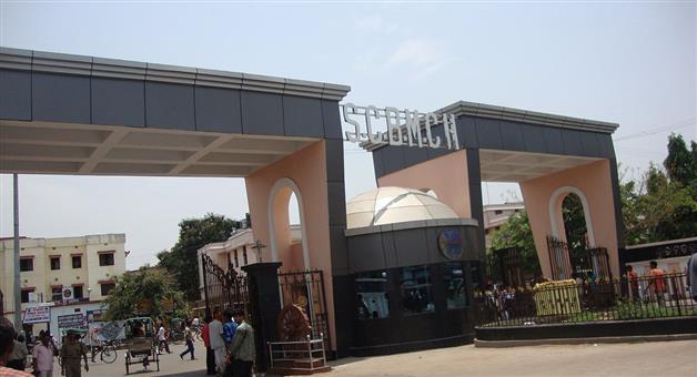 Khabar Odisha:kunduli-victim-admitted-in-Scb-icu