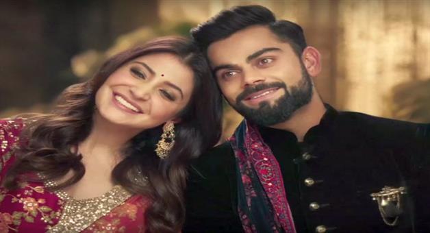 Khabar Odisha:Virat-and-Anushka-leave-for-Switzerland-with-family-for-wedding