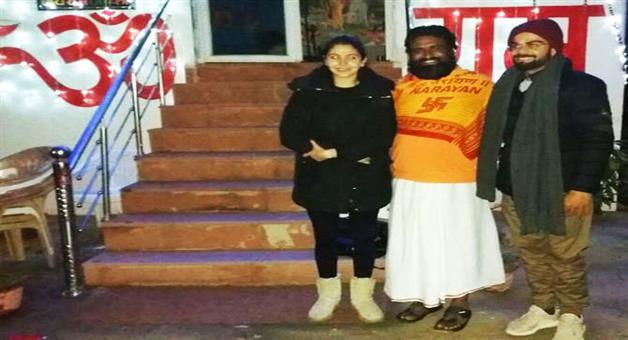 Khabar Odisha:spiritual-leader-anant-maharaaj-will-do-virat-and-anushka-marriage