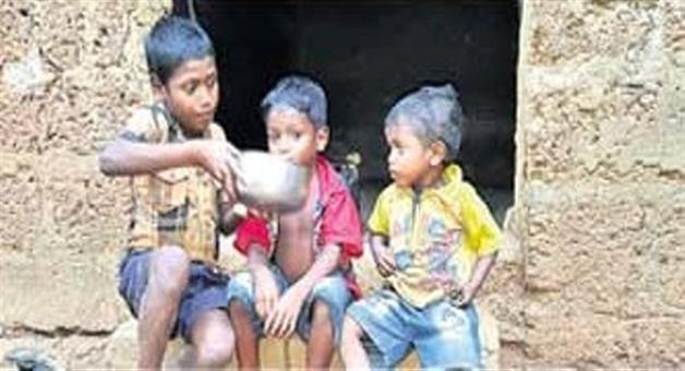 Khabar Odisha:Mother-died-father-in-jail-3-Orphan-child-feed-them-selves
