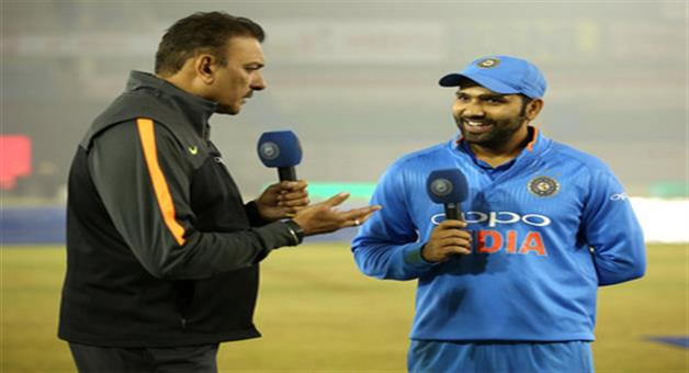 Khabar Odisha:rohit-sharma-said-after-double-century-i-m-not-ms-dhoni-or-chris-gayle