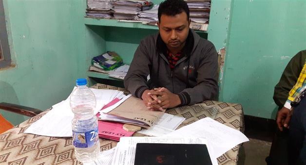 Khabar Odisha:Lift-Irrigation-JE-Debasish-Mohanty-caught-red-handed-by-vigilance