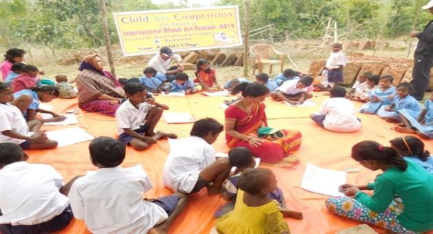 Khabar Odisha:Tribal-student-participate-in-the-process-of-internation-Dhauli-art-festival
