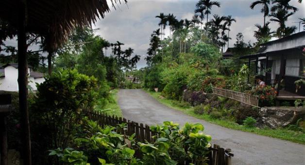 Khabar Odisha:Village-of-meghalaya-where-foreign-to-wist-crowded-all-the-season