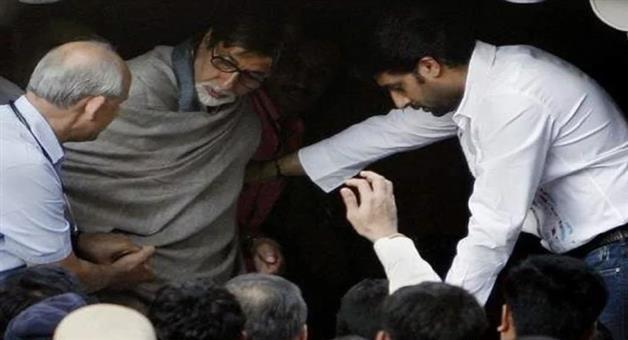 Khabar Odisha:amitabh-bacchan-admitted-in-mumbai-lilavati-hospital
