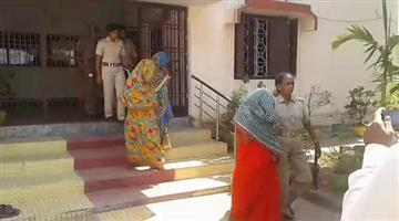 Khabar Odisha:3-Women-Arrested-for-loot-gold-from-Bhubaneswar