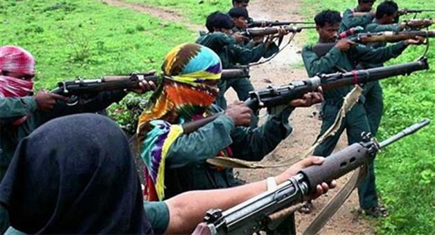Khabar Odisha:5-truck-burned-in-dantewada-chattishgarh-by-maoiest