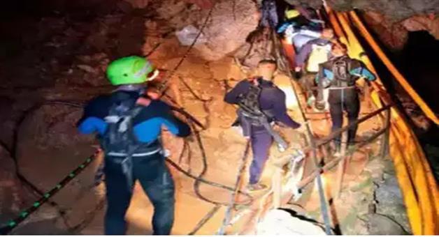 Khabar Odisha:6-boys-rescued-from-thailand-cave