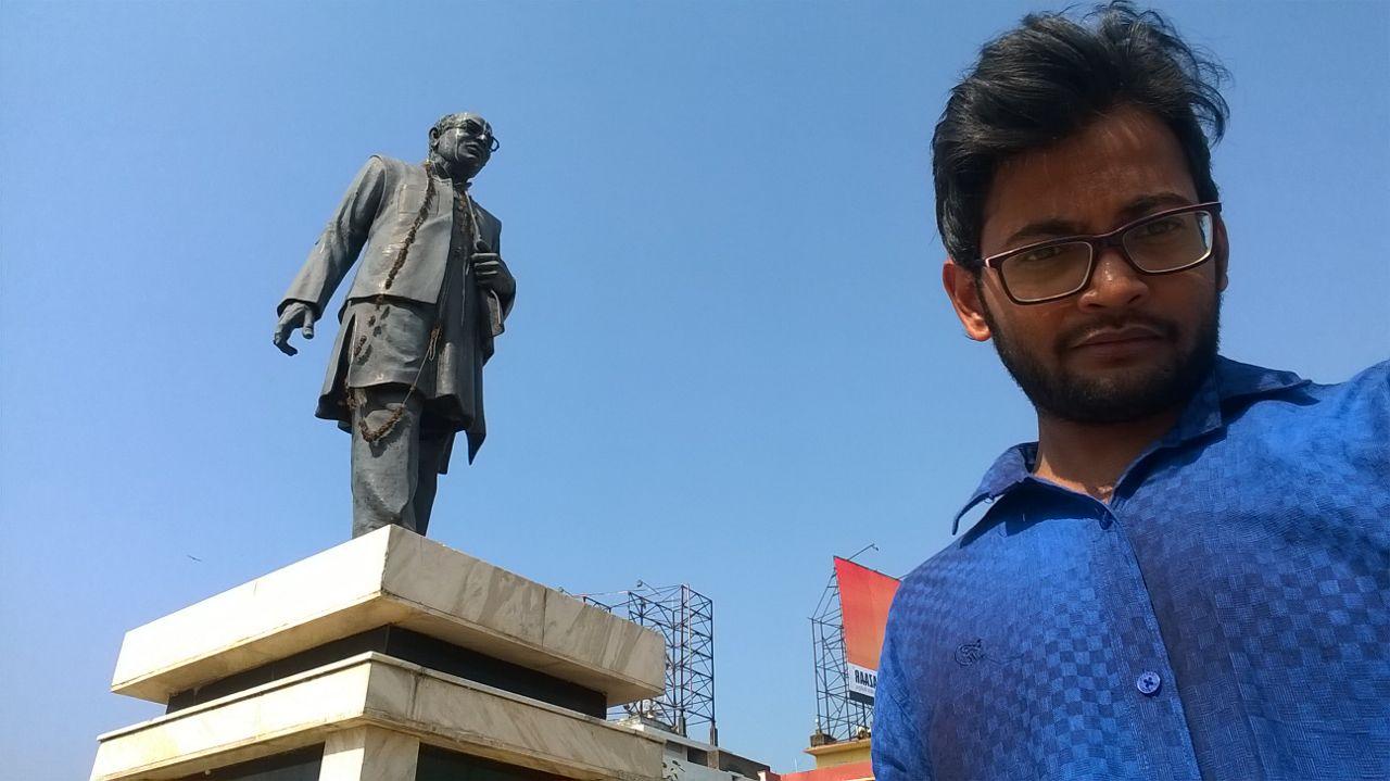 Khabar Odisha:Statues-Of-Heroes-Neglected