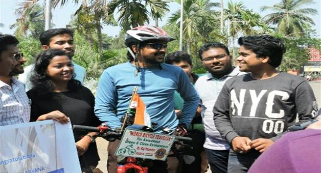 Khabar Odisha:World-tour-in-cycle-for-wheels-for-green