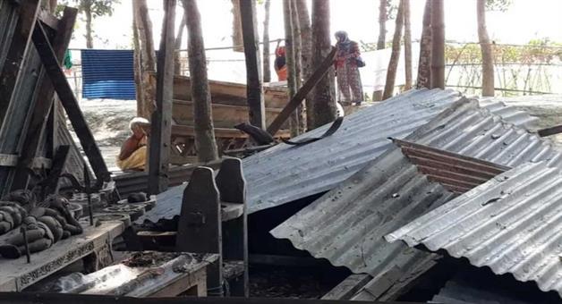 Khabar Odisha:9-people-attacked-on-hindu-temple-in-bangladesh