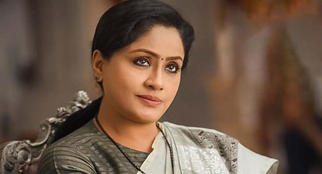 Khabar Odisha:Actress-Vijayashanti-quits-party-in-Telangana-leaves-party-and-joins-BJP