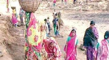 Khabar Odisha:Administration-remain-salient-pond-excavation-by-villagers