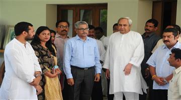 Khabar Odisha:All-India-Radio-And-Doordarshan-Dg-giridhari-Mohanty-Join-BJD