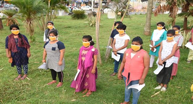 Khabar Odisha:All-odia-people-sing-bande-utkal-janani