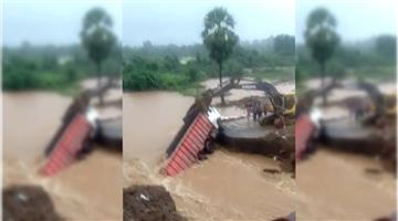 Khabar Odisha:Approach-Road-Collapsed-in-Kalahandi-and-Kandhamala-baliguda-Odisha