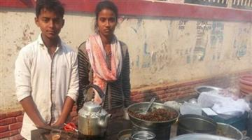 Khabar Odisha:Arati-bear-all-expenses-from-her-tea-stall