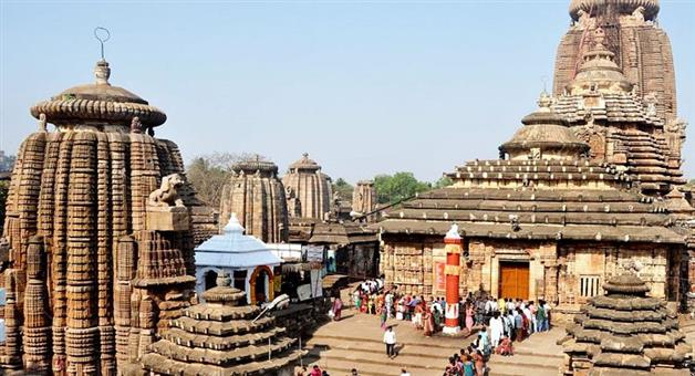 Khabar Odisha:Art-and-culture-Odisha-Rituals-hit-at-Lingaraj-Temple-in-Bhubaneswar-allegedly-due-to-non-cooperation-by-Brahman-Nijog-and-Pujapanda-Nijog