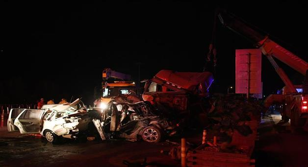 Khabar Odisha:At-least-14-killed-27-injured-in-China-highway-accident