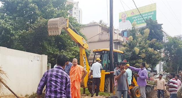 Khabar Odisha:BDA-demolished-illegal-samadhi-peeth-of-iskon