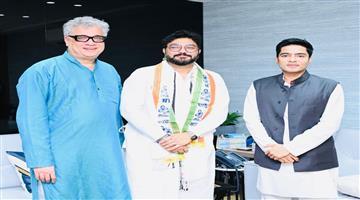 Khabar Odisha:BJP-MP-Babul-Supriyo-joins-TMC