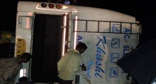 Khabar Odisha:Bus-Accident-in-Baripada--8-injured