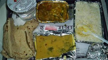 Khabar Odisha:Chhattisgarh-irctc-provide-stinking-food-force-jawan