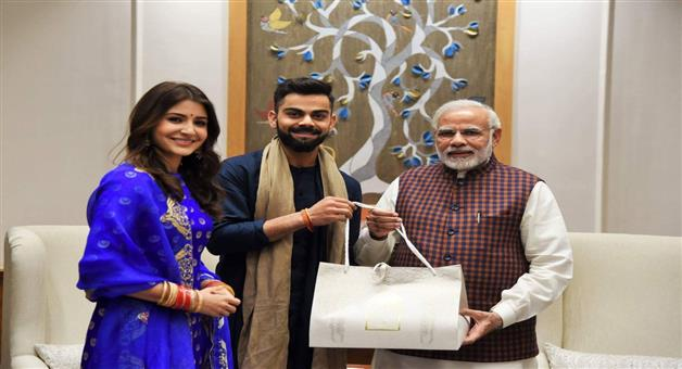 Khabar Odisha:Coronavirus-Virat-Kohli-Anushka-Sharma-donate-to-PM-CARES-Maharashtra-CM-Relief-Fund