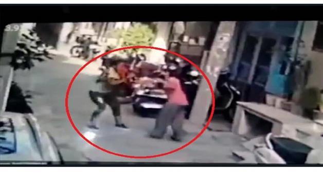 Khabar Odisha:Crime-Delhi-Krishna-vihar-girl-mobile-phone-Robbery-accused-girl-arrested-police-crime