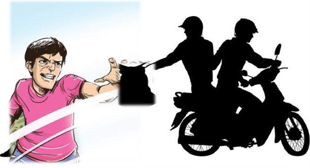 Khabar Odisha:Crime-Odisha-25lack-loot-from-a-divisional-Officer